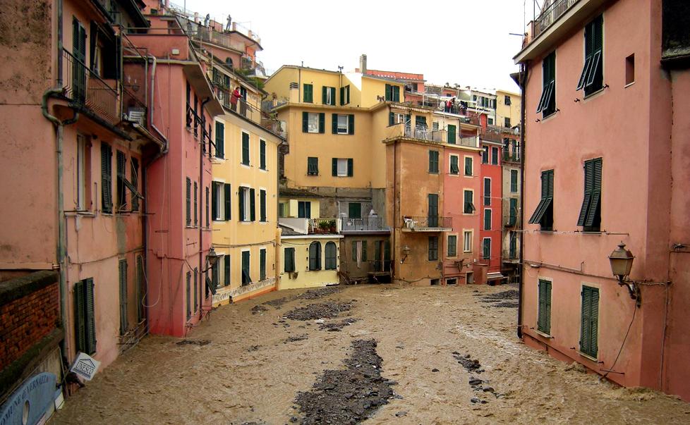 La valutazione del rischio alluvionale in Italia: il gigante dai piedi di argilla